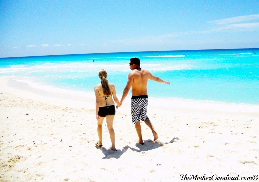 Pregnant-in-Cancun