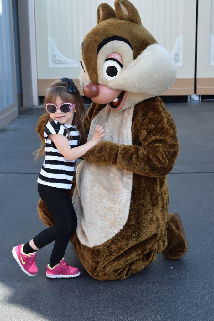 Chip N Dale - Disneyland