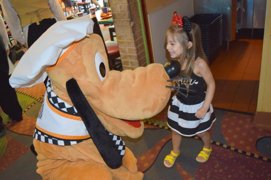 tips-to-save-money-DISNEYLAND-Birthday-Celebrations-Disney-Where-To-Eat