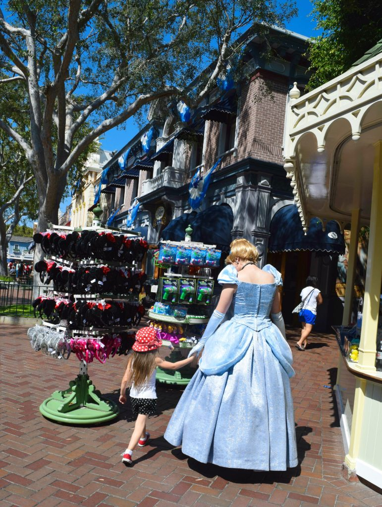 Cinderella-Disneyland-Birthday-Celebration