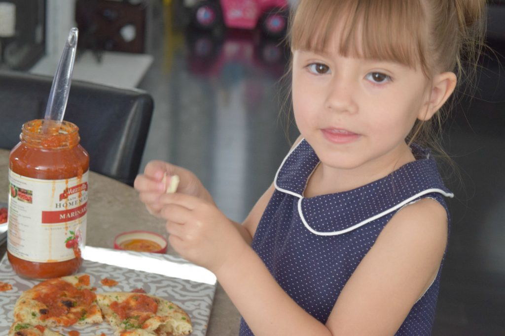 Cooking-With-Kids-Naan Flat-Bread Pizza