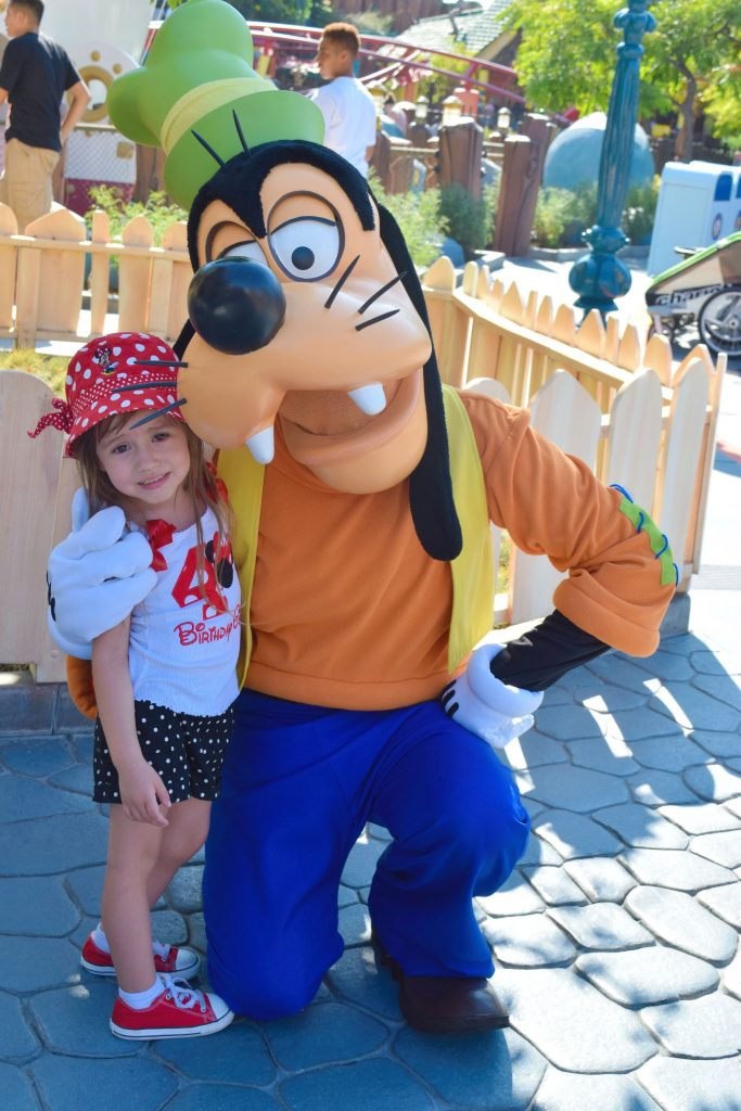 Goofy-Disneyland-Birthday-Celebration