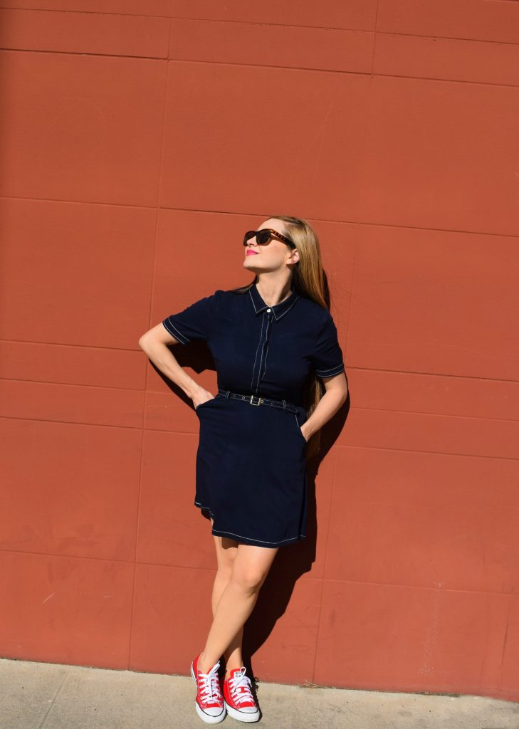 navy-collar-dress-red-shoes