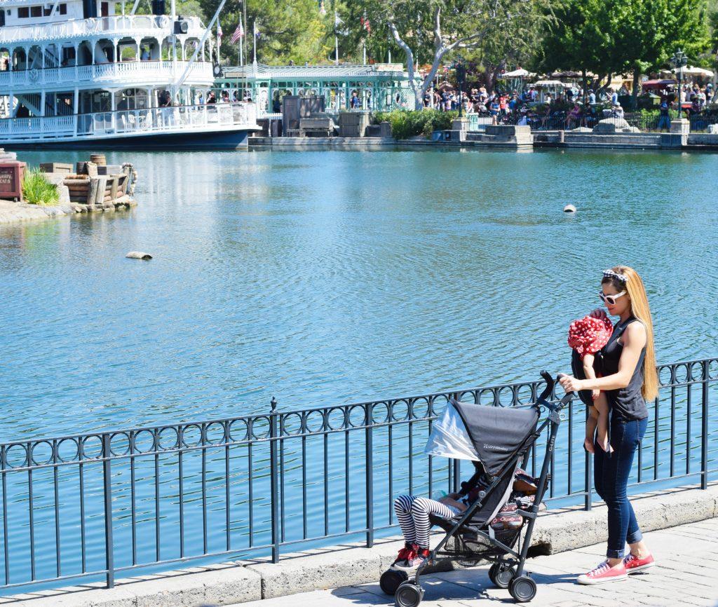 uppa-baby-Disneyland-lightweight stroller-tips