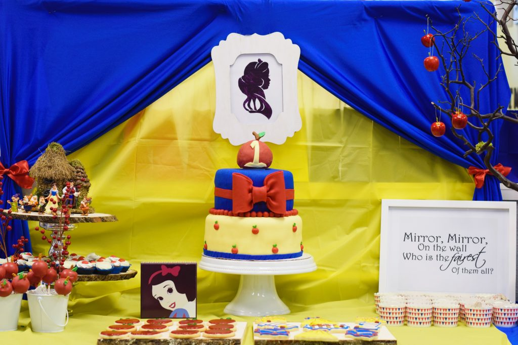 First-Birthday-Party-Disney-Snow-White-Theme-Imagine-Me-Grow-Cake-Dessert-Table
