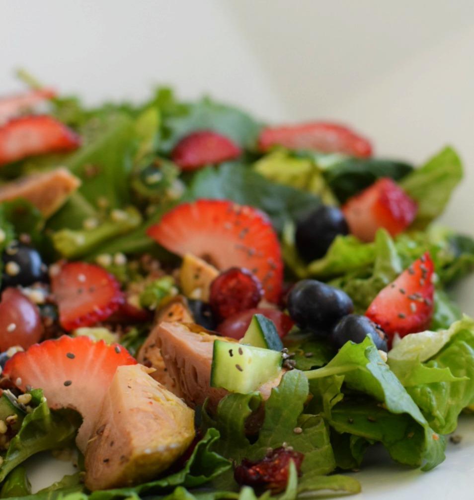 super-detox-salad-kale-quinoa