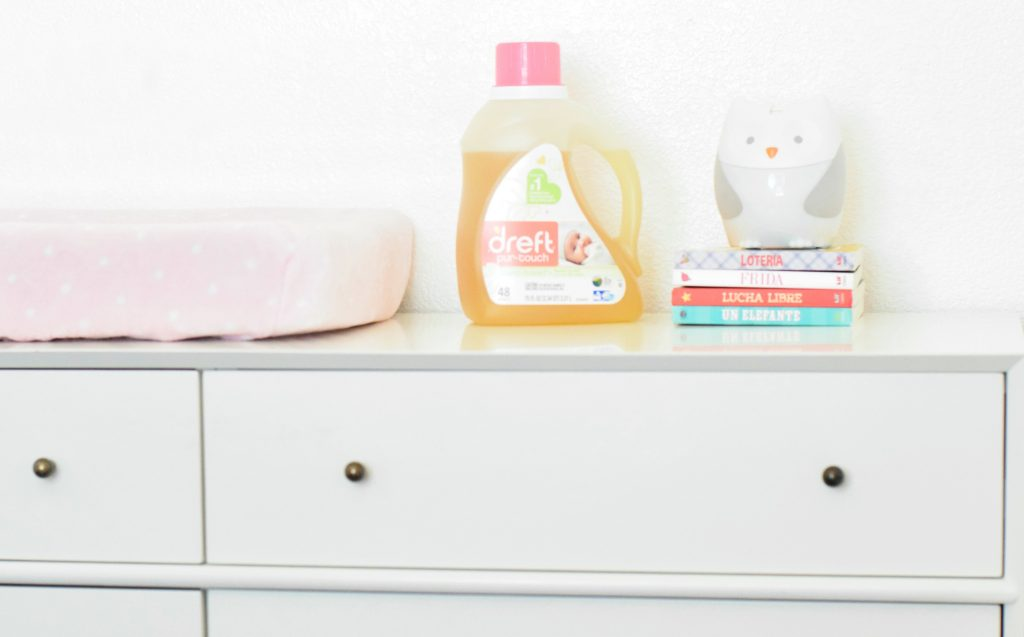 holding onto the baby smell baby detergent-Dreft Purtouch-the mother overload-baby detergent