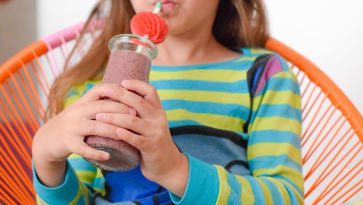 Immune-boost-smoothie-kids-Elderberry-antioxidant-immune booster