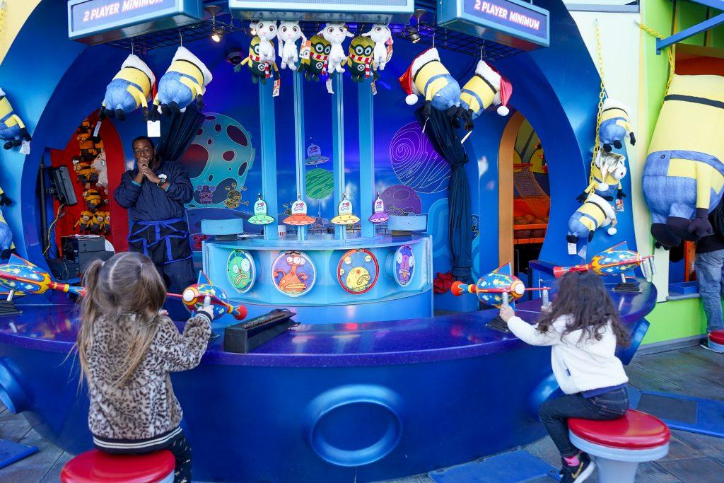 Grinchmas Universal Studios hollywood Christmas 2018 Minions Harry Potter Wizarding World