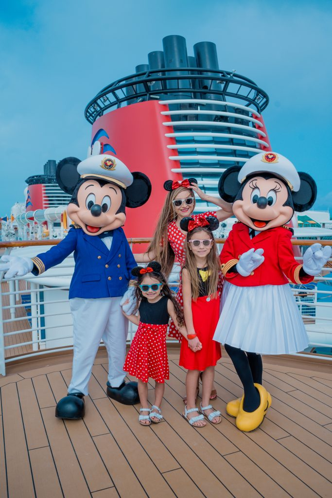 Disney-Cruise-Tips For Anxious Parents -Food Allergy-Disney Dream-Disney Bound-Minnie Mouse-Mickey-Character Meet and Greet-2020