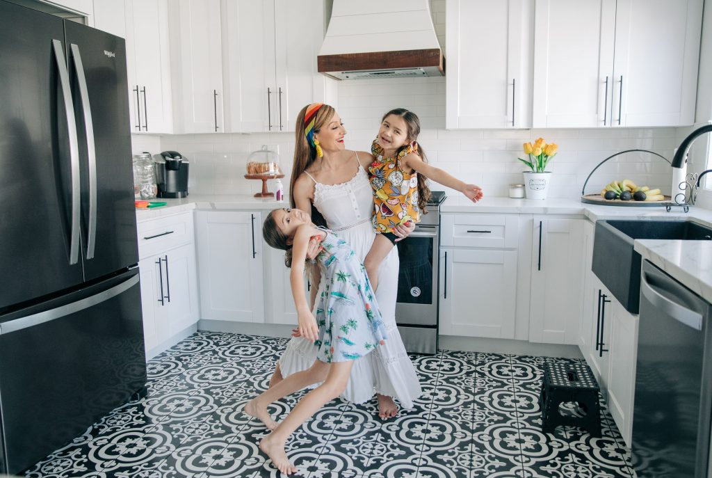5 Realistic Self-Care-Ideas-For Busy Moms-hair goals-dry conditioner-silicone free-repair damaged hair-bamboo-oil- extract for hair-TheMotheroverload-Pantene