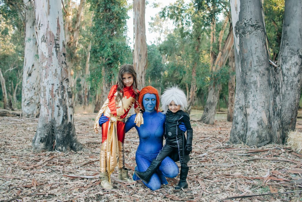 Family-Halloween-Costume-Xmen-SuperHero-Ideas-Wolverine-Mystique-Storm-DarkPhoenix