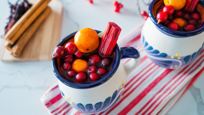Cranberry-Ponche-Navideño-Mexican Christmas Punch-Traditional-with cranberries-crockpot- holiday-recipe